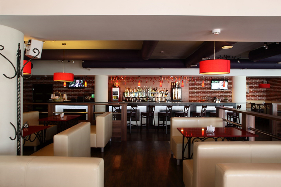 Offer Quality Hospitality to Restaurant Patrons with a Smart Control System